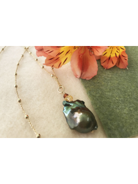 Green Baroque Pearl with Citrine and Carnelian